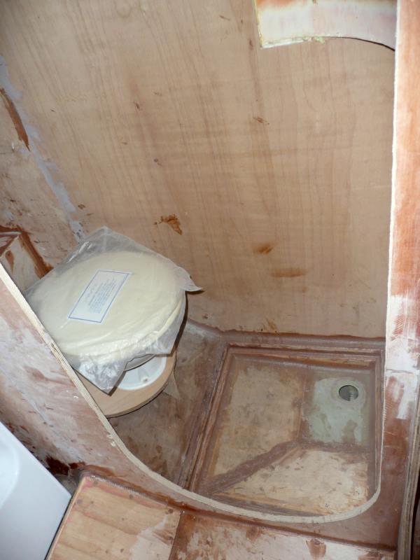 bloc douche wc good sanitaire pour pmr amenagement douche wc salle de m full size with bloc. Black Bedroom Furniture Sets. Home Design Ideas
